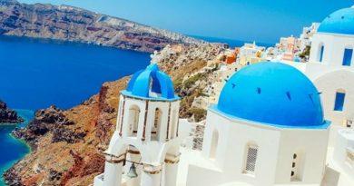 The Best Islands for a Honeymoon in Greece